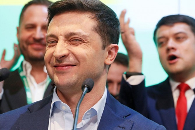 Jewish comedian wins to be new president of Ukraine