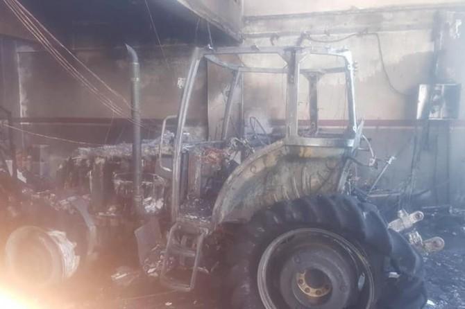 Kâhta'da çıkan yangın iş yerini kullanılamaz hale getirdi
