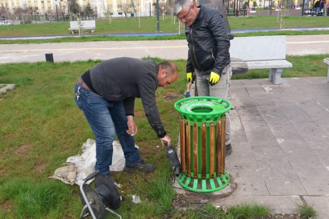 Bingöl'de parklarda bakım ve onarım çalışması
