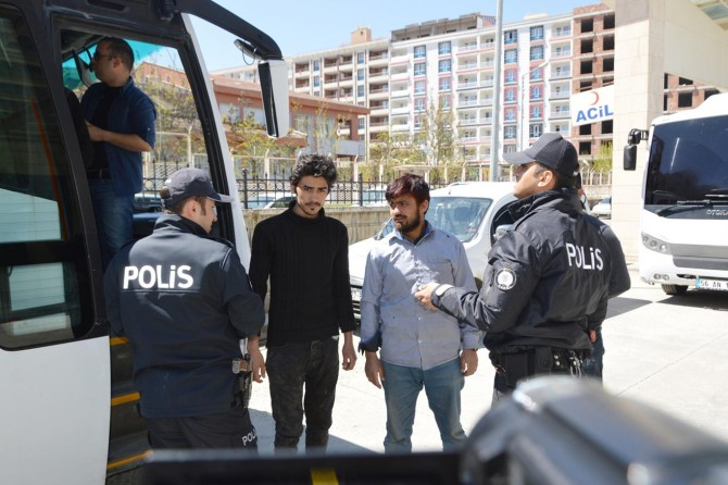Kaçak göçmenleri İstanbul diye Siirt'e bıraktılar