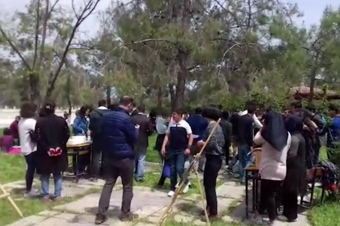 Samsat'ta öğrencilerden yetimler yararına kermes