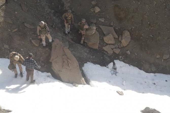 Gürpınar'da 2 PKK'li yakalandı