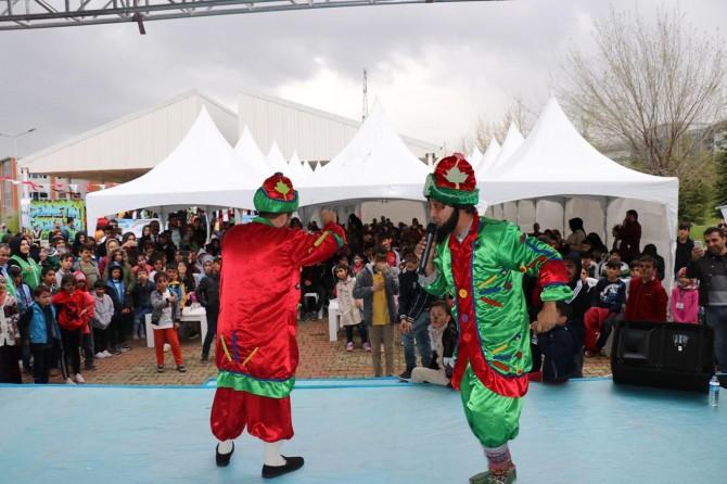 Bingöl'de yetim çocuklar Cennetin Çocukları Şenliğinde bir araya geldi