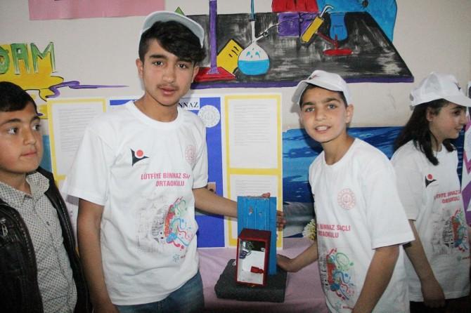Van Lütfiye Saçlı İlk ve Ortaokulu öğrencileri hünerlerini bilim fuarında sergilediler