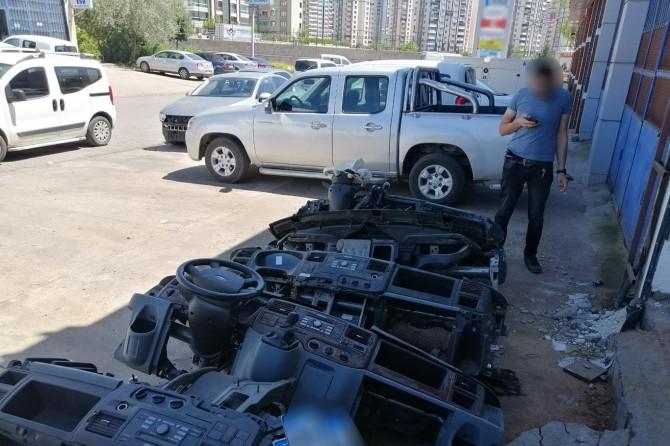 Diyarbakır'da hacizli ve çalıntı araba şebekesine operasyon