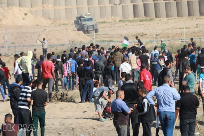 Occupying gangs attack return march demonstrations: one martyr 30 wounded