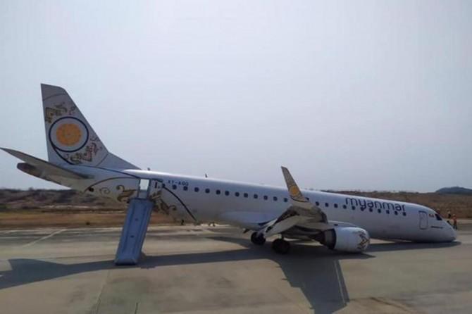 Myanmar'da ön iniş takımları açılmayan uçakta büyük panik