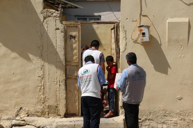 İHO EBRAR Akçakale'de ihtiyaç sahibi aileleri sevindirdi