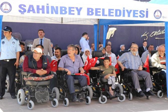 Hepimiz birer engelli adayıyız