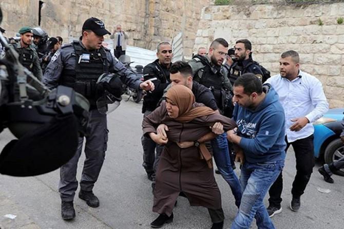 Aralarında 18 çocuk ve 4 kadının da olduğu 100 Filistinli alıkonuldu