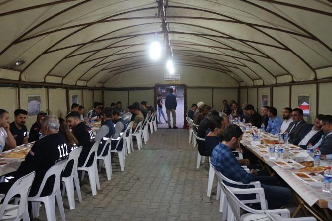 Şirvan'da yüzlerce kişiye iftar yemeği veriliyor