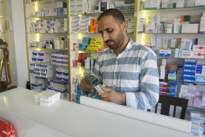 Eczacılar ilaç bulamamaktan şikayetçi