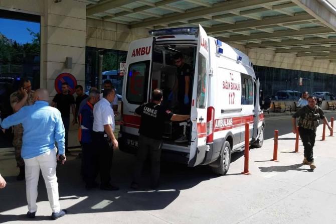 Siirt'te bir güvenlik korucusu hayatını kaybetti 3 PKK'li öldürüldü