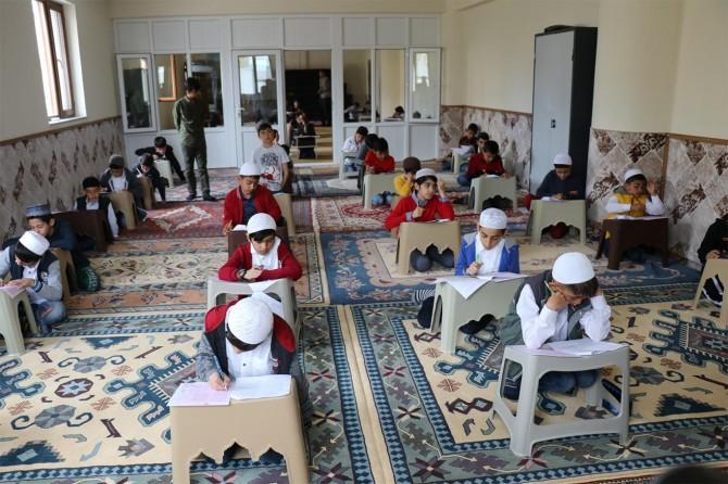 Bingöl'de Cami-çocuk kaynaşmasını sağlamak amacıyla ödüllü sınav yapıldı