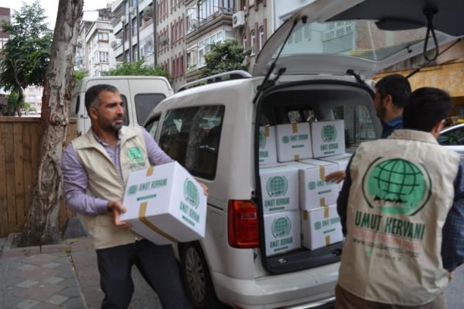 Eşleri Çin zindanlarında olan onlarca Doğu Türkistanlıya yardım