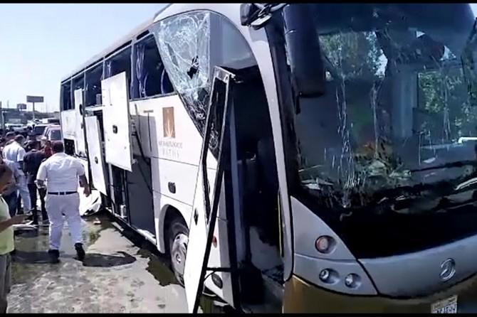 Giza piramitleri yakınında patlama: 17 turist yaralı