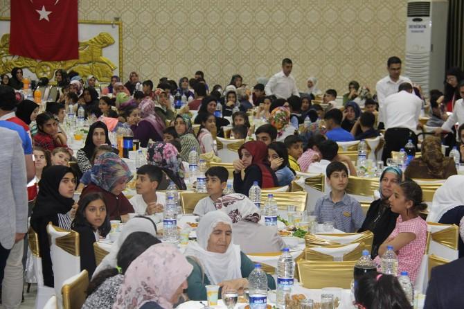 Kızılay Sur Şubesinden yetimler için iftar