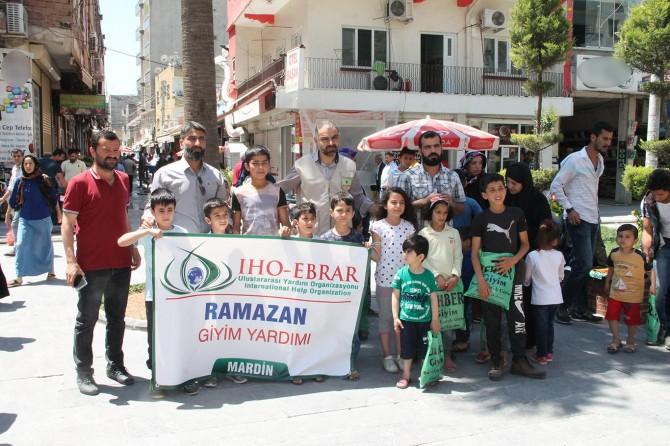 IHO-EBRAR Mardin'deki yetimlere bayramlık giydirdi