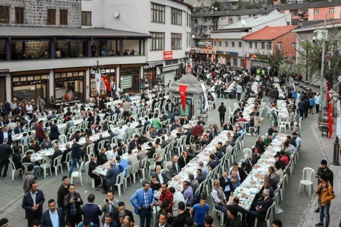Bitlisliler iftar programında buluştu