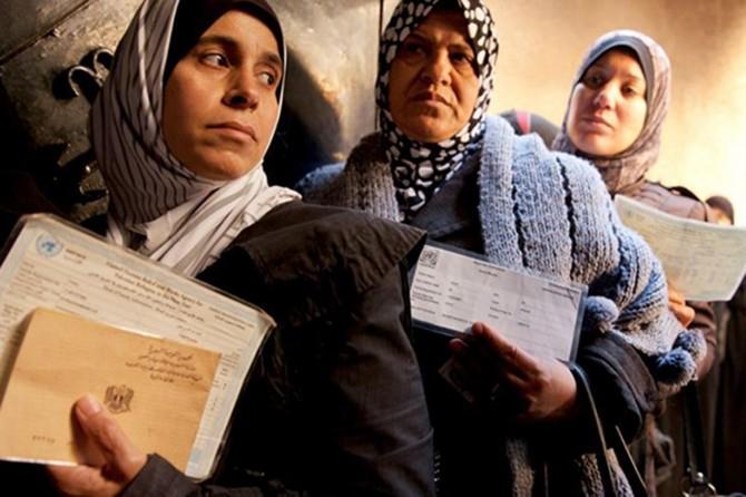 """""""Filistinli mültecilerin maruz kaldığı şartlar kaldırılabilecek gibi değildir"""""""
