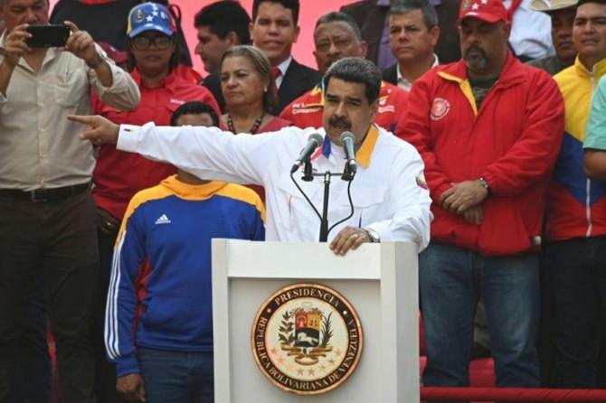 Maduro banga hilbijartina pêşwext kir