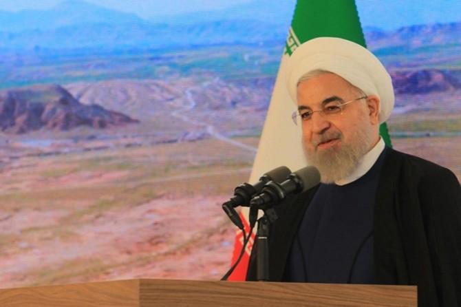 Ruhani: İran halkı zorbalar karşısında boyun eğmez