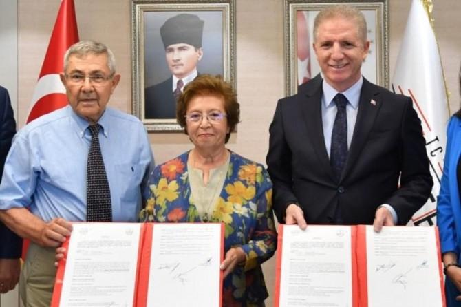 Gaziantep'te hayırsever yaşlı çiftten eğitime destek