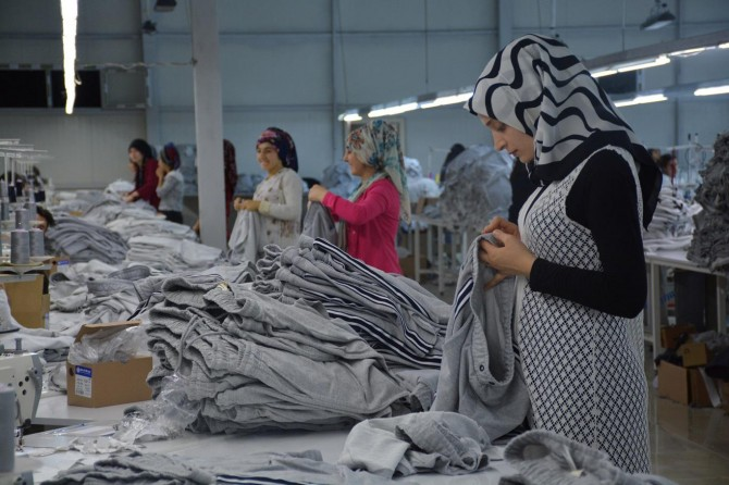 Ramazan'da işçiler gece vardiyasında