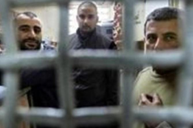 Filistinli esirlerin kaldığı hapishaneler adeta fırına dönüştü