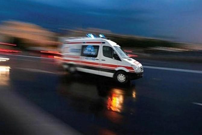 Düzce'de yolcu otobüsü traktör ile çarpıştı: 1 ölü 12 yaralı