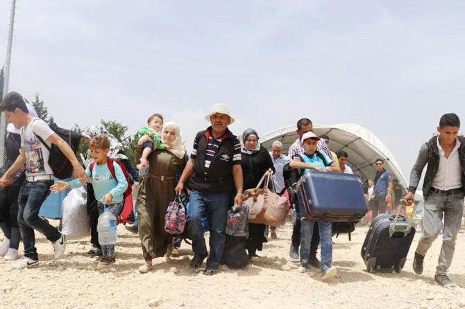 Suriyeliler bayram için sınır kapılarına akın ediyor