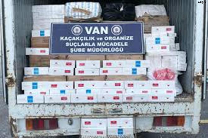 Erciş-Ağrı karayolunda 32 bin 500 paket kaçak sigara ele geçirildi