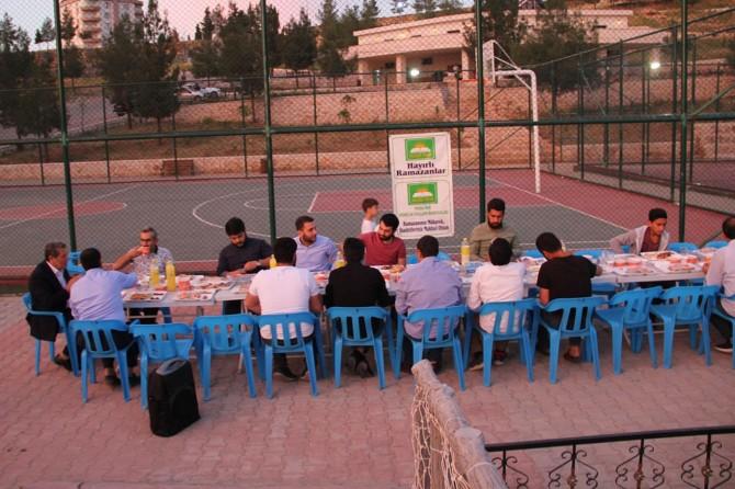 Midyatlı gençler iftar sofrasında buluştu