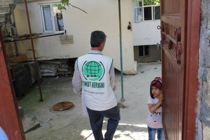 İhtiyaç sahiplerine 'Ramazan kolisi' dağıtıldı