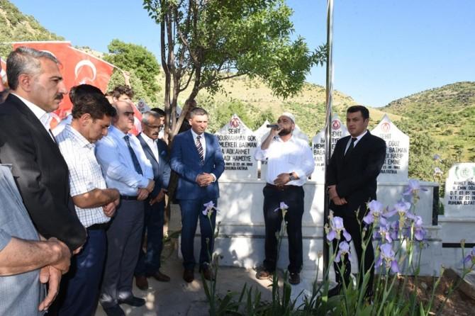 PKK'nin katlettiği 10 köylü için anıt mezar yapıldı