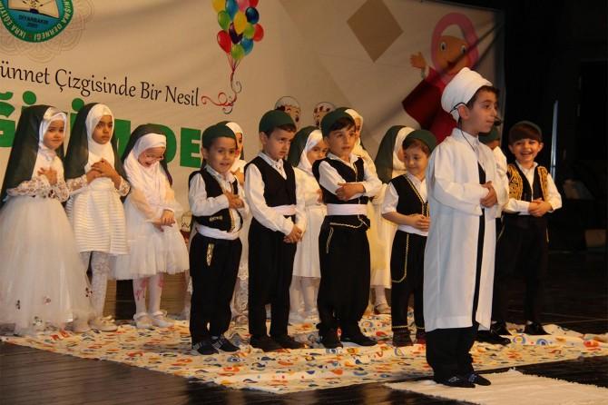 Diyarbakır'da miniklerin mezuniyet töreni