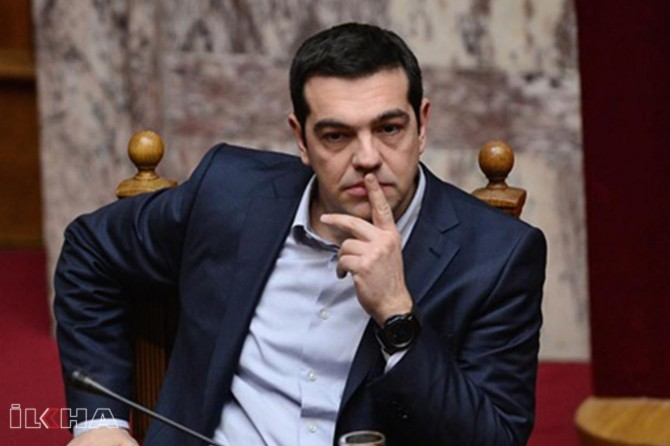 Greece goes to snap elections