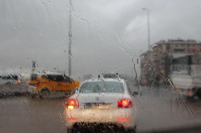 Meteorolojiden İzmir için sağanak yağış uyarısı