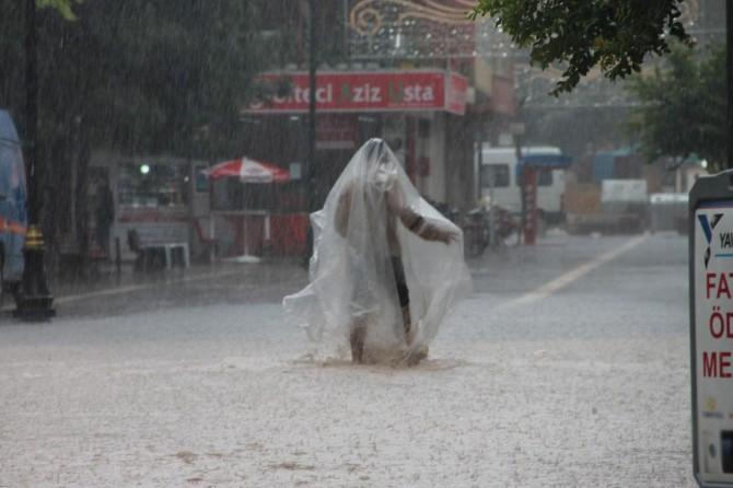 Sel ve yıldırımdan korunma yolları nelerdir
