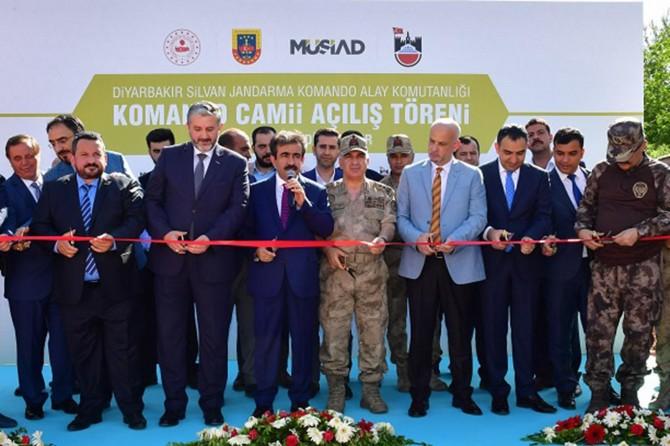 Vali Güzeloğlu, Silvan Jandarma Komando Camii'nin açılış törenine katıldı