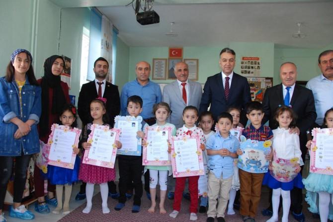 Bitlis'te 89 bin öğrenci karne alarak yaz tatiline girdi