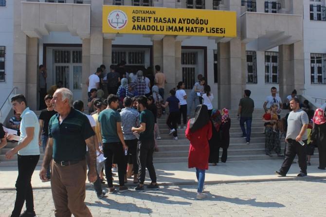 Adıyaman'da öğrencilerin YKS heyecanı başladı