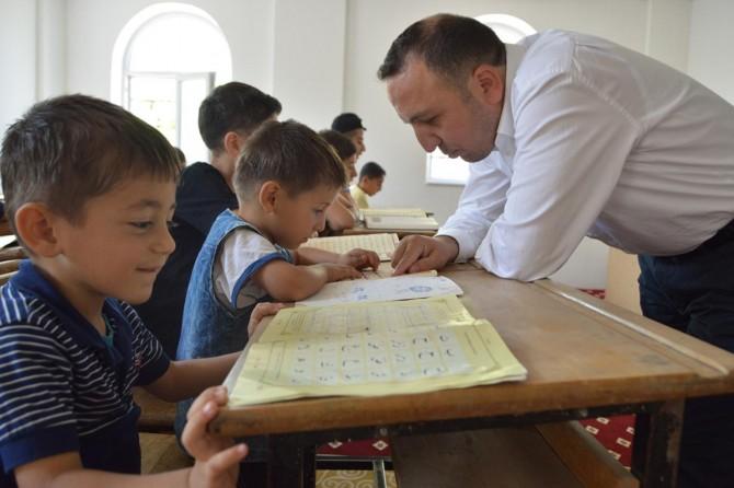 Siirt'te öğrenciler camilere akın etti