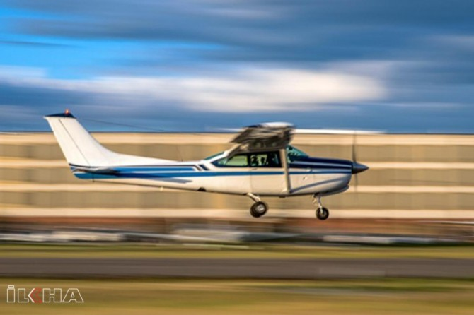 Two light planes collide mid-air in New Zealand