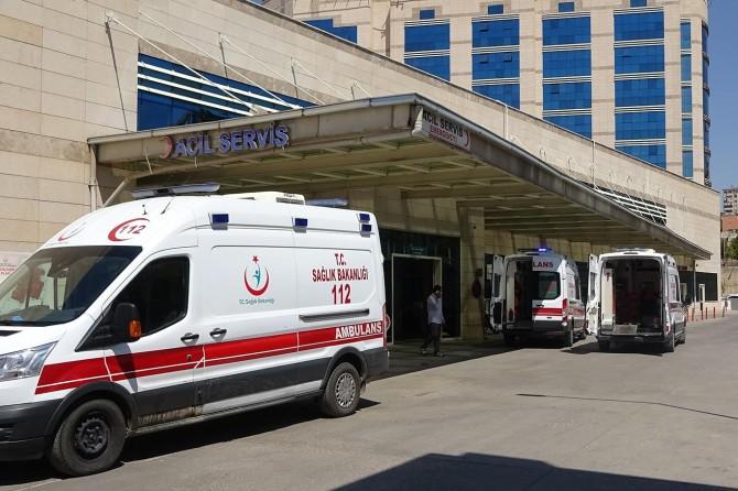 Şirvan'da tarım aracı devrildi: 1 ölü 2 yaralı
