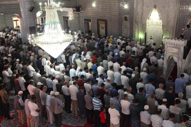 Şanlıurfa'da Mursi için gıyabi cenaze namazı kılındı