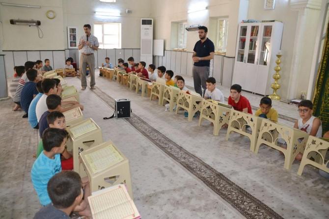 """""""Ebeveynler çocuklarını Kur'an kurslarına getirmeli"""""""