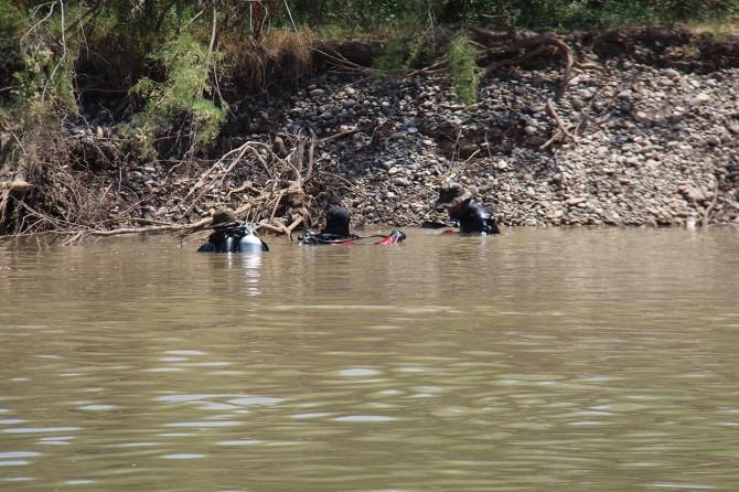 Dicle Nehri'ne düşen genci arama çalışmaları devam ediyor
