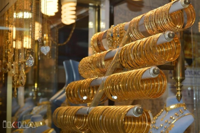 Gold price continues to rise