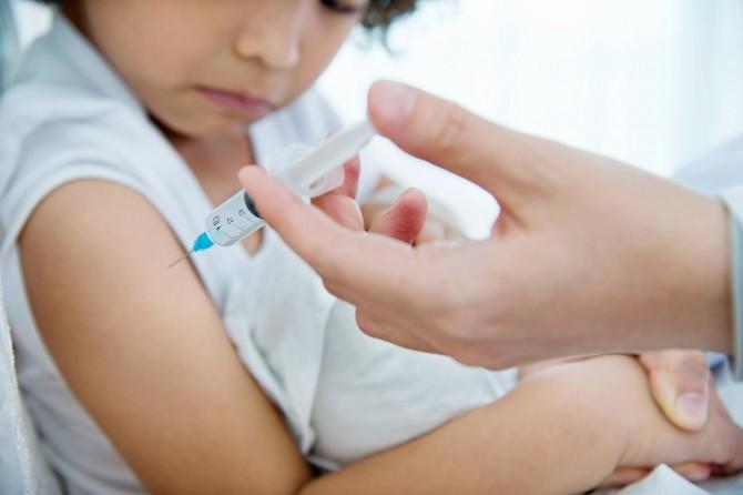 """""""Tıp çalışanlarına duyulan güven aşı tartışmalarında belirleyici oluyor"""""""